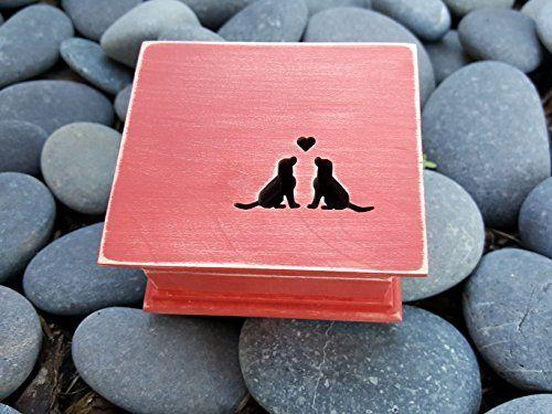 Boîte à musique de chien sculpté