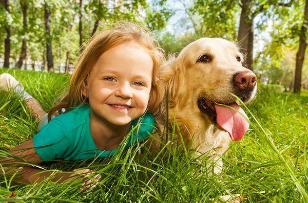 La recherche montre que les enfants sont plus proches des animaux de compagnie que leurs frères et sœurs