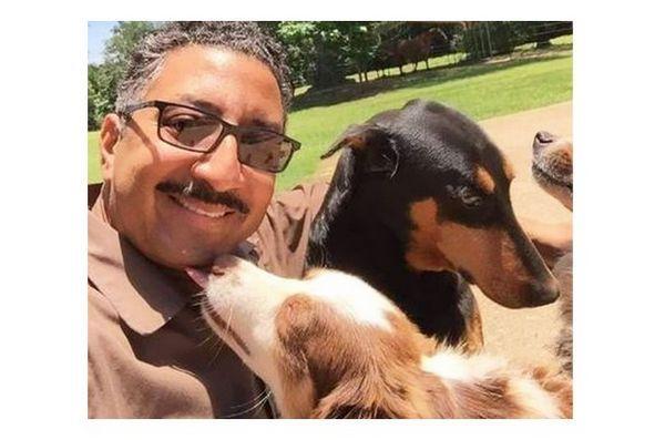 Le chauffeur-livreur Ups ramasse des selfies de chien sur son parcours